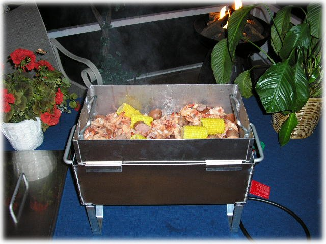 a tabletop seafood steamer for shrimp crab